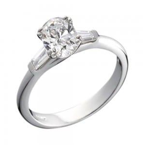 Diamond with baguette diamond