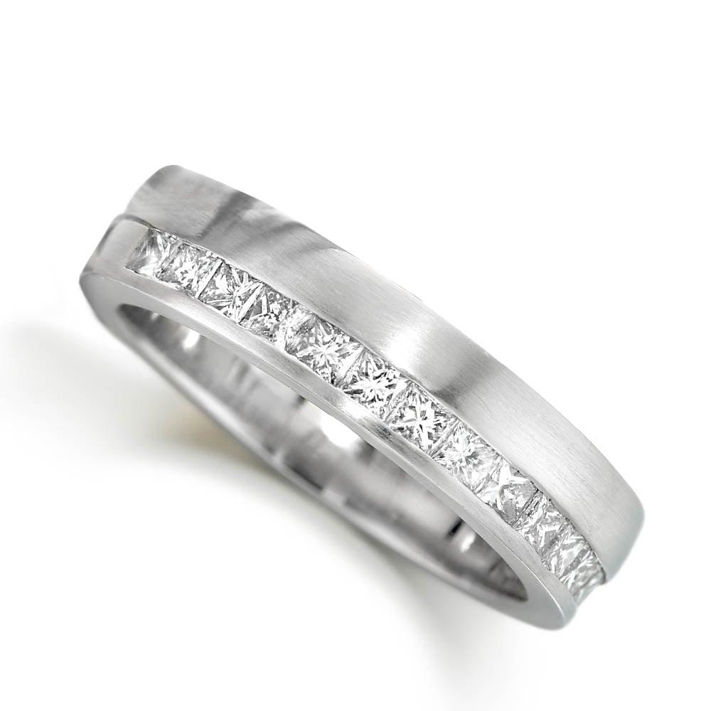 platinum-channel-set-princess-cut-diamond-ring-p3807-4748_zoom
