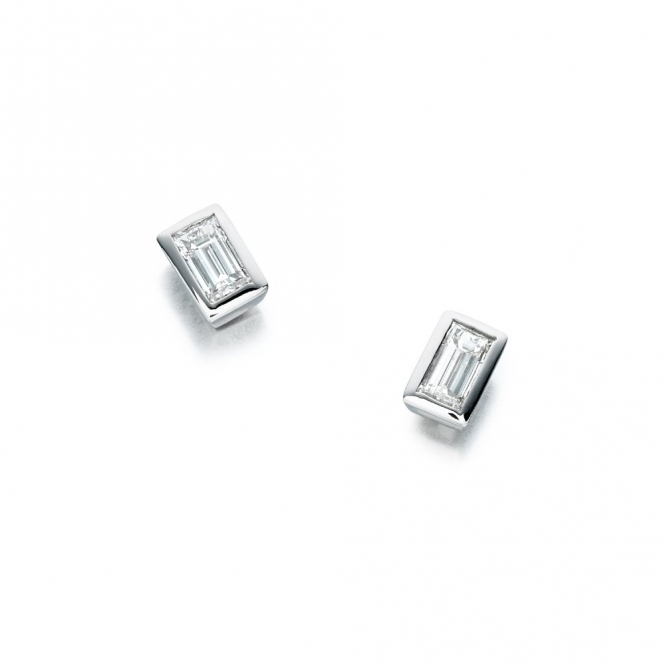 18ct White Gold Baguette Diamond Set Earrings. 0.85cts total. Design No. 1S336