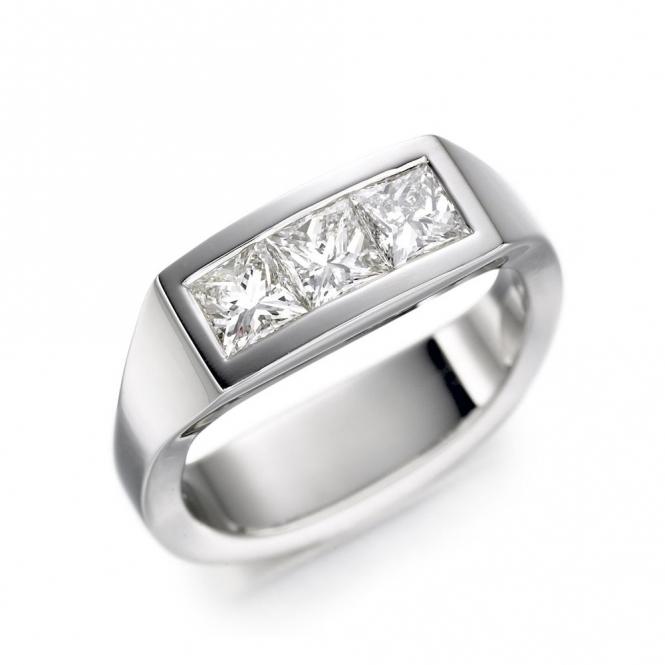 18ct White Gold Three Princess Diamond Ring 1T21A