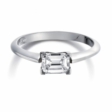 Emerald Cut Diamond Ring in Platinum