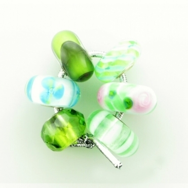 Group 1 Glass Green Hues Trollbeads Kit RRP £150