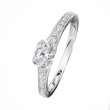 Oval diamond engagement Ring with tapered diamond set shoulders