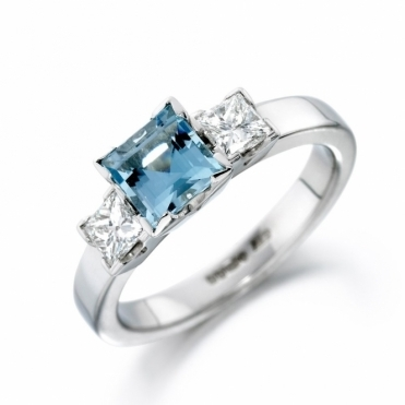 Platinum Aquamarine and Diamond Ring 1S33