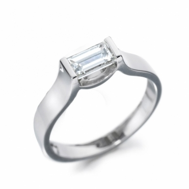 Platinum Baguette Diamond Solitaire Ring 1T01A