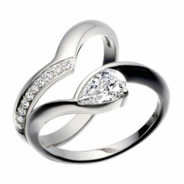 Platinum Pear Shaped Diamond Engagement Ring and Fitted Diamond Set Wedding Band