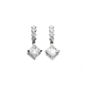 18ct White Gold Diamond Earrings. Design No. 1V31A